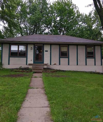 Clinton Single Family Home For Sale: 1512 S Water Street