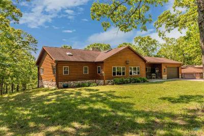 Benton County Single Family Home For Sale: 32188 Dentan Pl