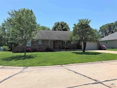 Clinton Single Family Home For Sale: 522 E Meadowlark