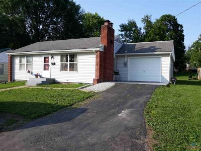 Windsor Single Family Home For Sale: 316 Holmes Dr