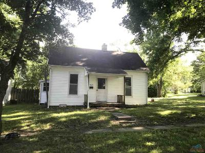 Pettis County Single Family Home For Sale: 910 E 14th St