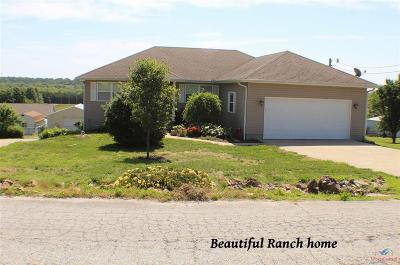 Warsaw Single Family Home For Sale: 30388 Shawnee Bend Rd.