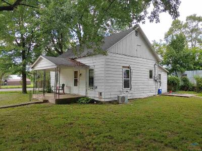 Benton County, Henry County, Hickory County, Saint Clair County Single Family Home For Sale: 206 W 2nd Street