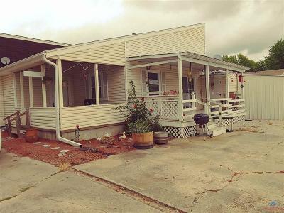 Condo/Townhouse For Sale: 1215 Elm Hills (C)