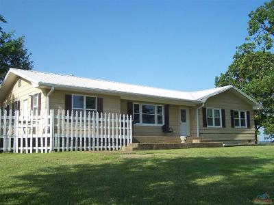 Single Family Home For Sale: 40466 Violet Avenue