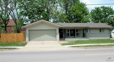 Clinton Single Family Home For Sale: 209 E Ohio St