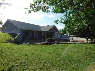 Clinton Single Family Home For Sale: 77 NW 1001 Rd.