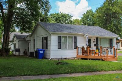 Single Family Home For Sale: 1617 E 7th