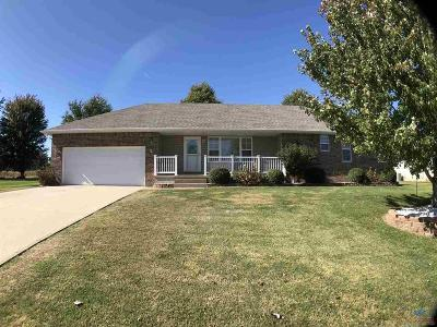 Clinton Single Family Home For Sale: 47 NW 247