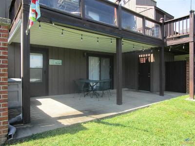 Warsaw Condo/Townhouse For Sale: 28166 Bay Shore Drive