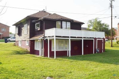 Knob Noster Single Family Home For Sale: 106 S Adams Ave