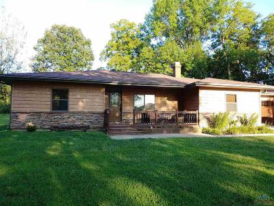 Clinton Single Family Home For Sale: 322 NW 51 Rd