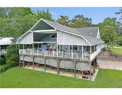 Diamondhead Single Family Home For Sale: 104209 Bayou Dr