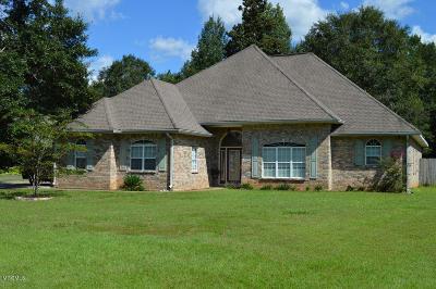 Gulfport Single Family Home For Sale: 15356 Swan Lake Blvd