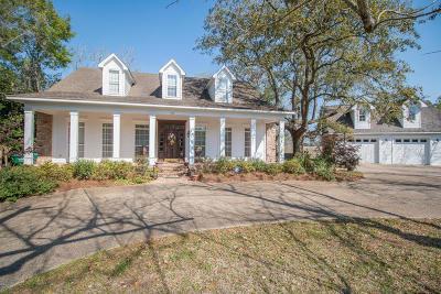 Long Beach Single Family Home For Sale: 440 Klondyke Rd