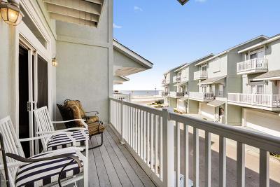 Long Beach Condo/Townhouse For Sale: 706 W Beach Blvd #706