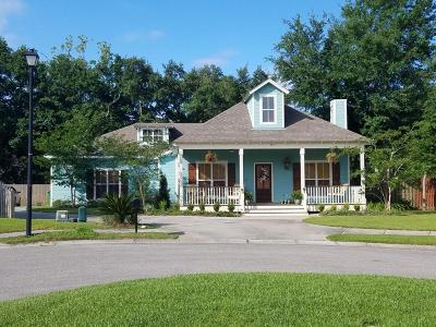 Long Beach Single Family Home For Sale: 30 Le Petit Cv