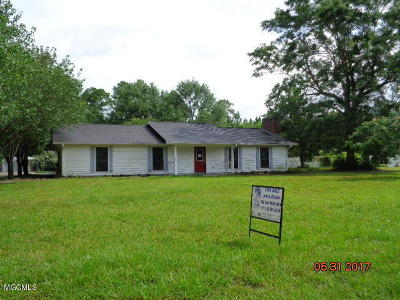 Pass Christian Single Family Home For Sale: 22056 Derrick Rd