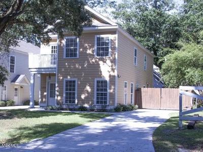 Gulfport Single Family Home For Sale: 1010 Bridge St
