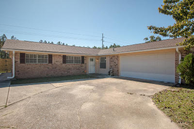 Gulfport Single Family Home For Sale: 32 Fleetwood Dr