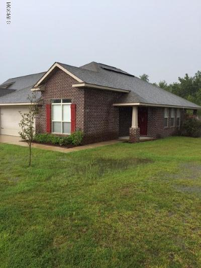 Gulfport Single Family Home For Sale: 18105 Canal Jct Dr