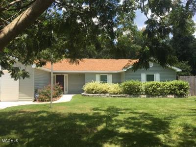 Diamondhead Single Family Home For Sale: 7829 Alawai Ave