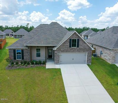 Biloxi Single Family Home For Sale: 833 Reunion Place Cir