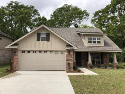 Single Family Home For Sale: 10564 Roundhill Dr