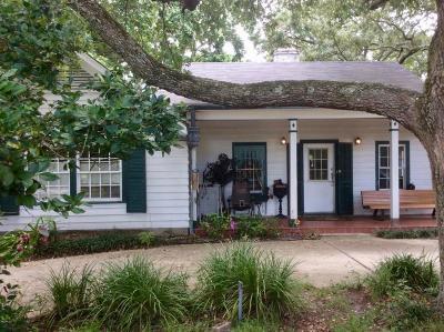 Biloxi Single Family Home For Sale: 120 Balmoral Ave