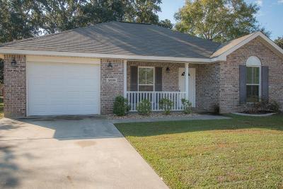 Long Beach Single Family Home For Sale: 209 Lantana Blvd
