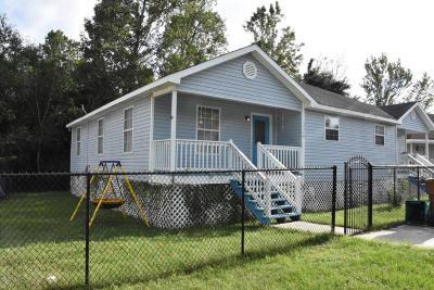 Long Beach Multi Family Home For Sale: 20029 Sunshine Dr