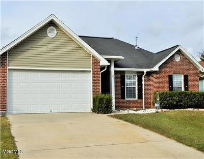 Gulfport Single Family Home For Sale: 18040 Lake Vista Dr