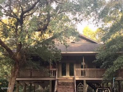 Diamondhead Single Family Home For Sale: 10810 Apua Ct
