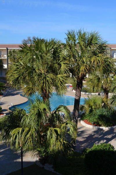Biloxi Condo/Townhouse For Sale: 2046 Beach Blvd #206