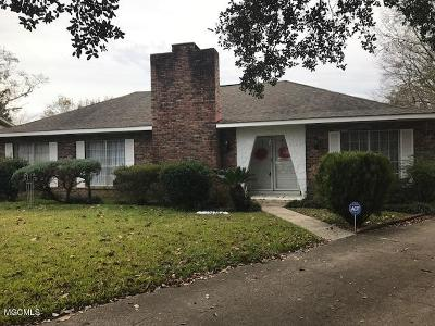 Gulfport Single Family Home For Sale: 12478 Crestwood Dr