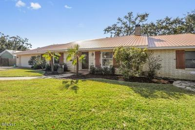 Biloxi Single Family Home For Sale: 720 Live Oak Dr