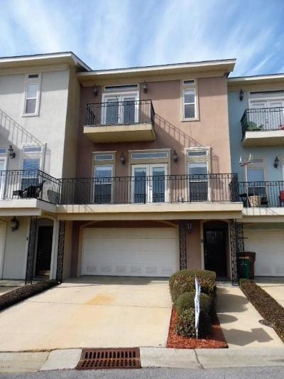 Long Beach Condo/Townhouse For Sale: 2 Oak Alley Ln