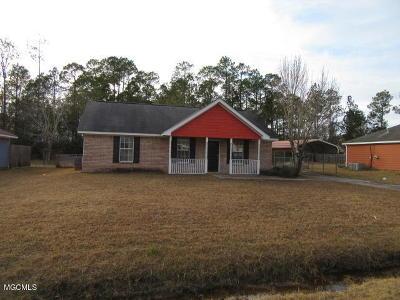 Ocean Springs Single Family Home For Sale: 10513 Maple St