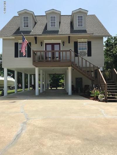 Bay St. Louis Single Family Home For Sale: 37 Fiber St