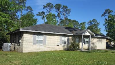Long Beach Single Family Home For Sale: 107 Sedgewick Dr