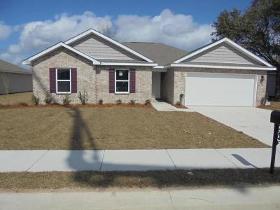 Long Beach Single Family Home For Sale: 610 Verbena Dr