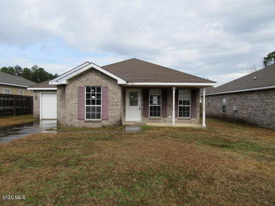 Biloxi MS Single Family Home For Sale: $96,000