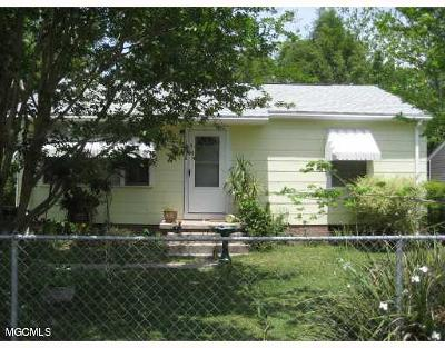 Biloxi MS Single Family Home For Sale: $69,000