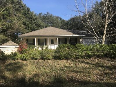 Ocean Springs Single Family Home For Sale: 1604 Deer St