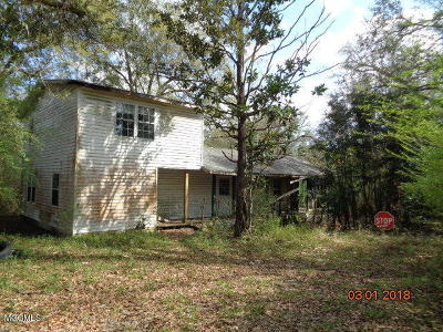 Pass Christian Single Family Home For Sale: 7166 Lee Haven Rd