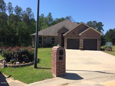 Gulfport Single Family Home For Sale: 14984 Waterside Pl
