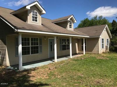 Gulfport Single Family Home For Sale: 22160 Mercedes Rd