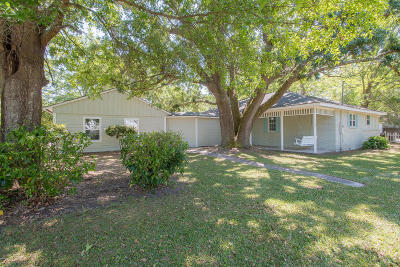 Long Beach Single Family Home For Sale: 1160 E Old Pass Rd