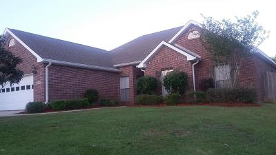 Gulfport Single Family Home For Sale: 15400 Meadow Brook Ct