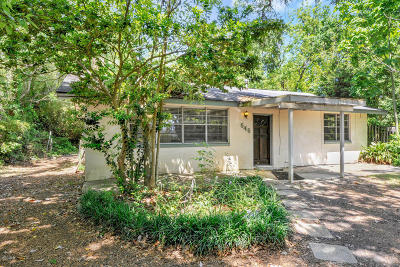 Long Beach Single Family Home For Sale: 646 E Railroad St